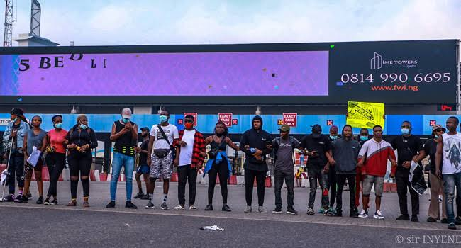 Angry Reactions Greet Reopening Of Lekki Tollgate, Youths Trend #OccupyLekkiTollGate - Vantage News Nigeria