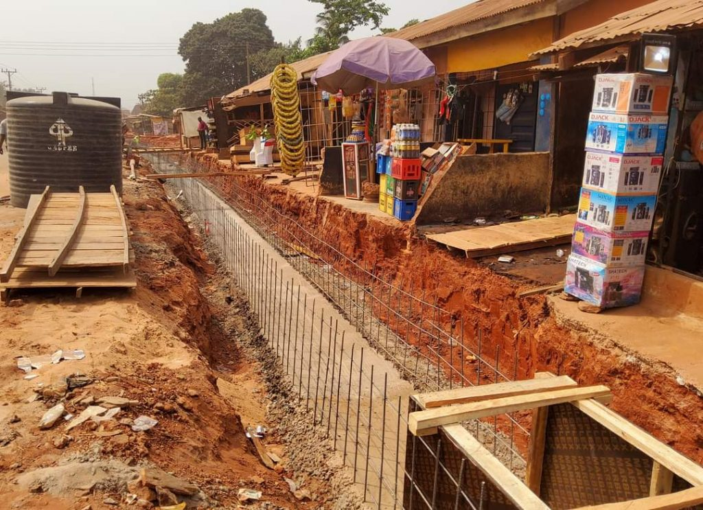 Photostory: Governor Ugwuanyi Inspects Road Project In Nsukka Community - Vantage News Nigeria