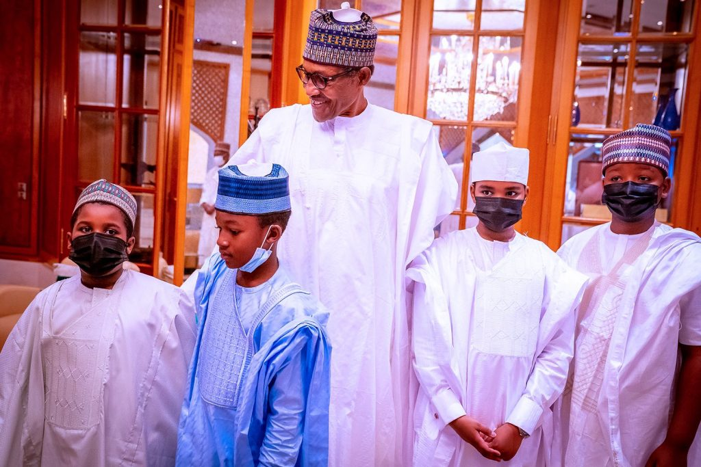Photo Story: Buhari, Aisha Seen Together First Time In Months - Vantage News Nigeria
