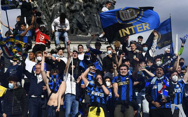 Photostory: Inter Milan Fans Celebrate First League Triumph In 11 Years - Vantage News Nigeria