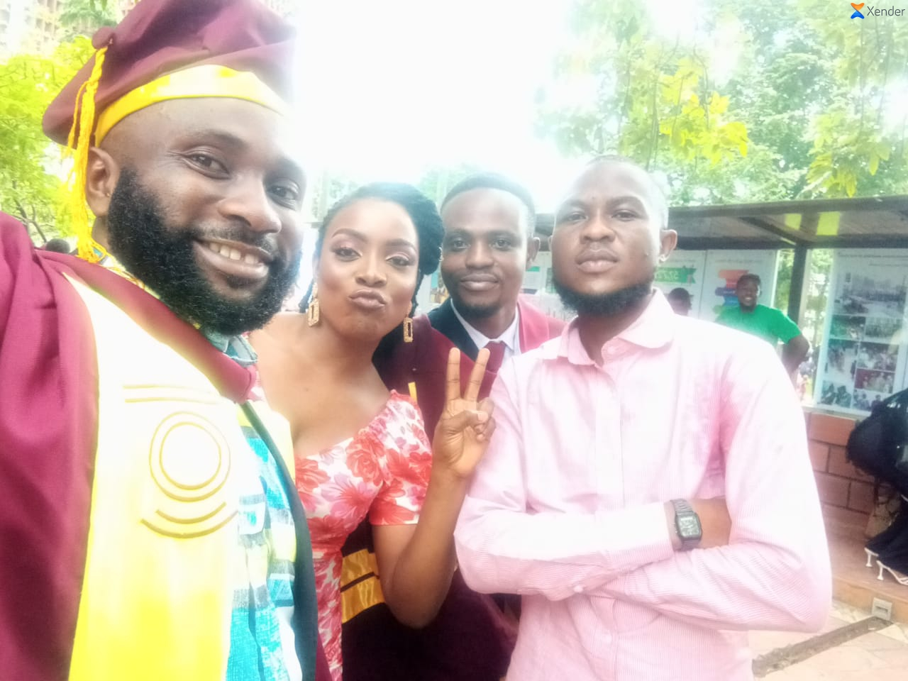 Watch Moment Two Of Vantage News Reporters Matched Into Their MSc Convocation Arena In Style - Vantage News Nigeria